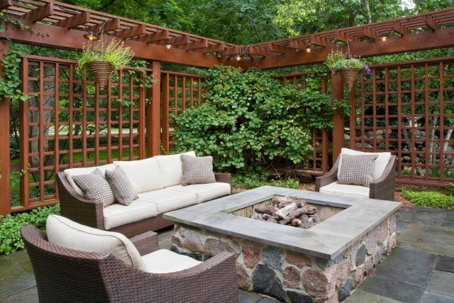 offene feuerstelle-im Garten Sitzgruppe-gepolstert sichtschutz - grillstelle im garten