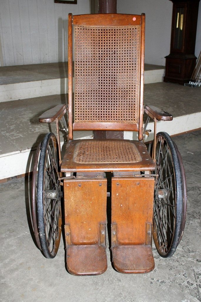 An antique Wheelchair dating back to the 1800's. - An Antique Wheelchair Dating Back To The 1800's. Little Swiss