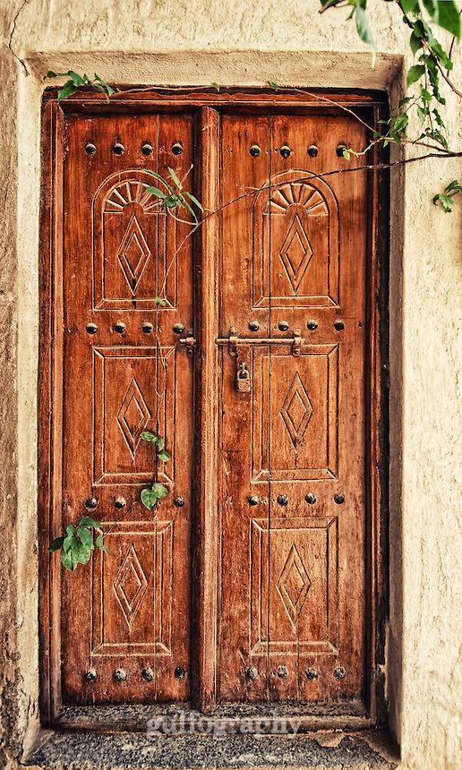 In The Alleys Of The Historical Part Of Dubai An Old Door Holds The Memories And Stories Of The Past Descriptio Traditional Doors Main Entrance Door Old Door