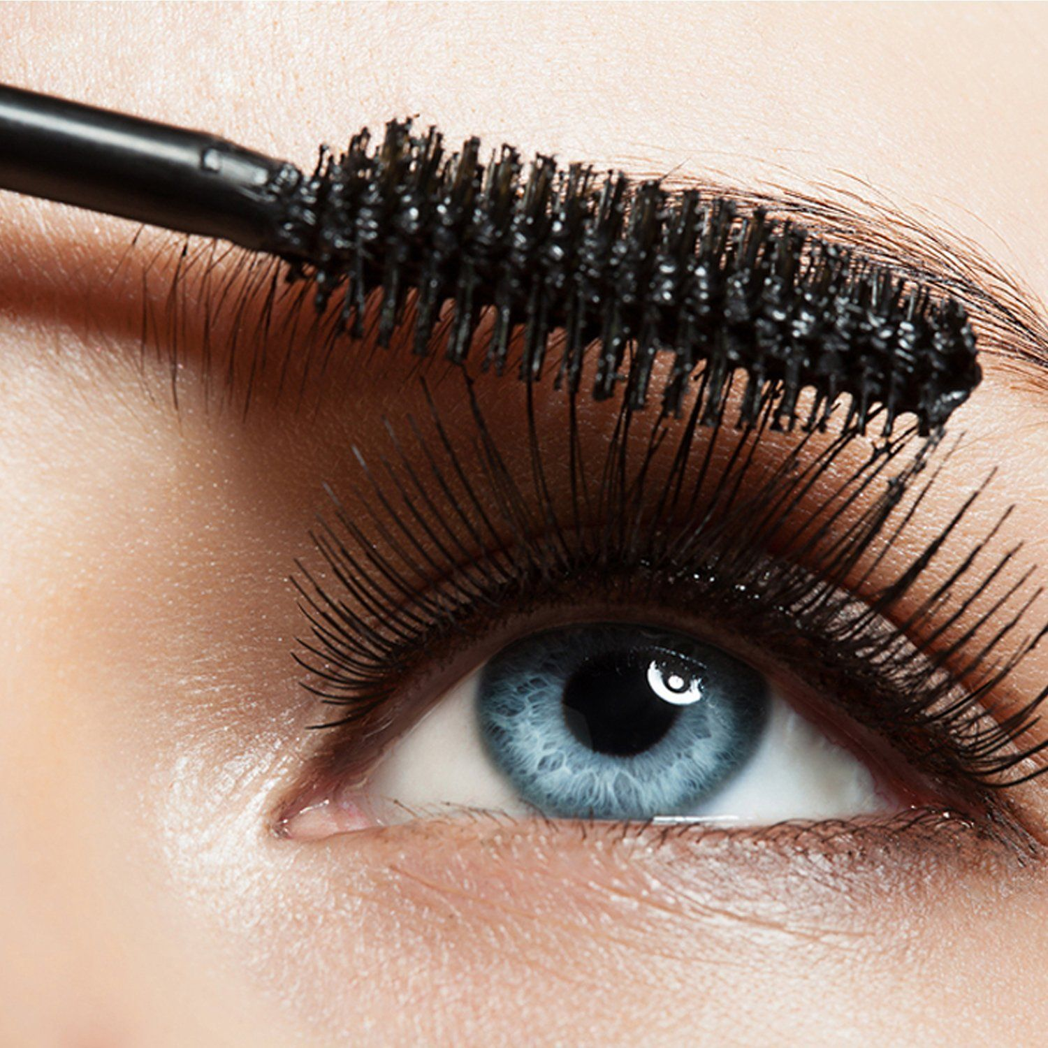 Natural Mineral Mascara Made with Organic Ingredients
