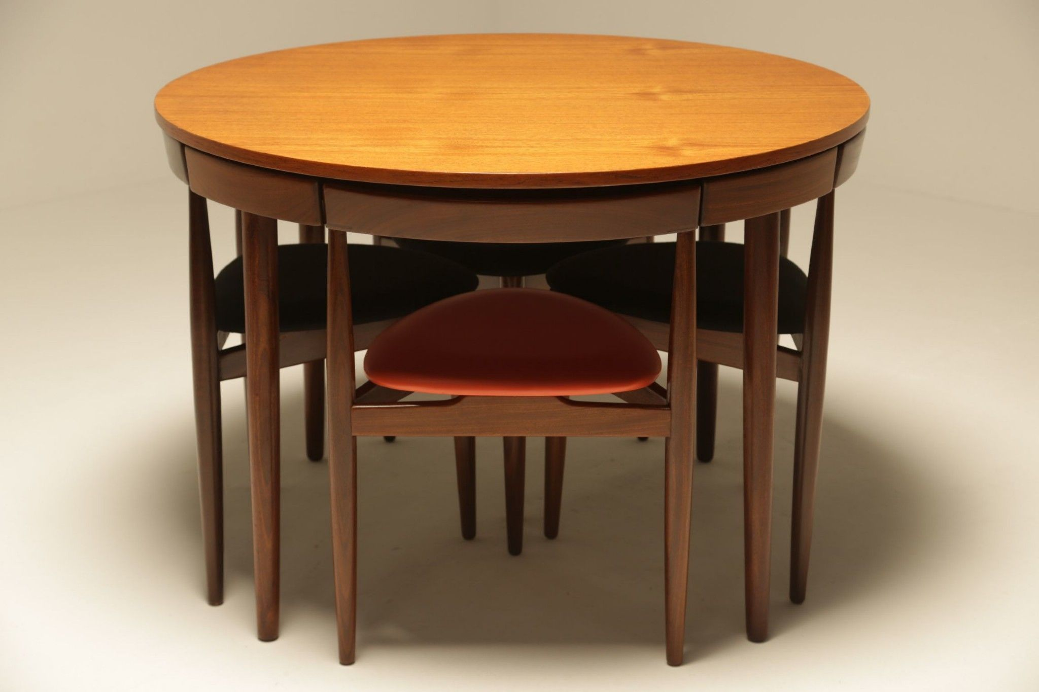 Pin By Chuck On Georg Satink Dining Set Table And Chair Sets Circular Table [ 1365 x 2048 Pixel ]