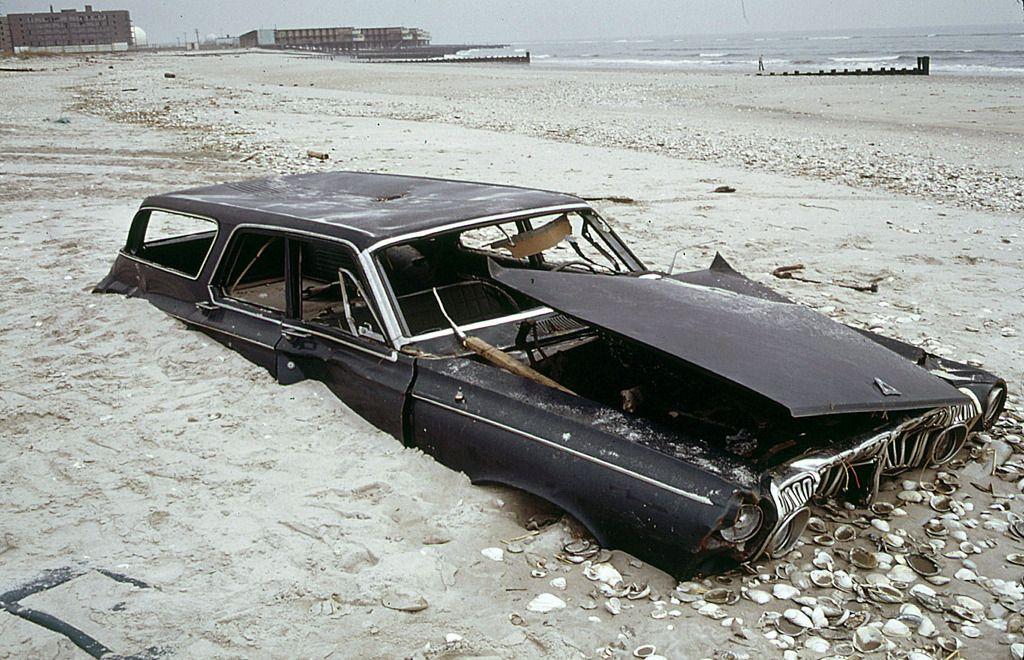 New York Breezy Point Queens 1973 Verlassene Autos