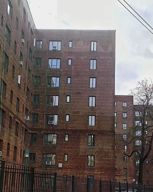 Apartment Complexes Nyc: Art Moderne-style Apartment Buildings In Parkchester, An