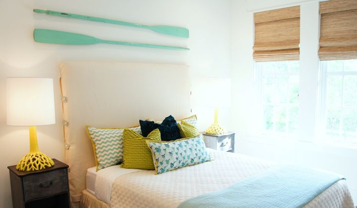 Beach house bedroom with turquoise and lime green accents for Lime green and turquoise bedroom