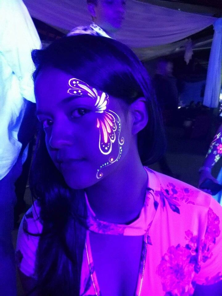 Fiesta Neon Maquillaje De Neon Maquillaje Fluor Ropa De Neon