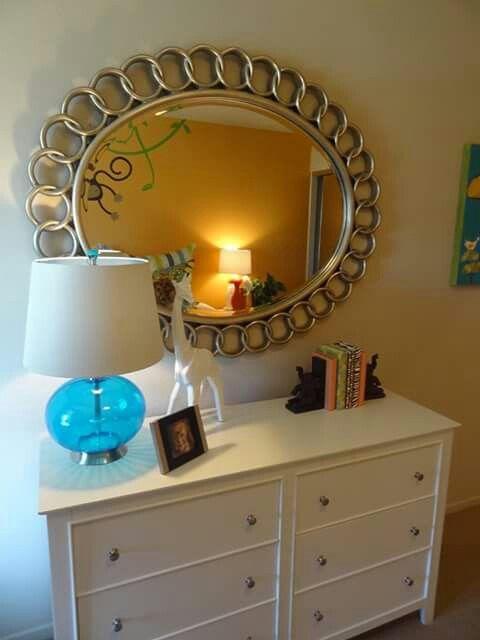 Espejo ovalado y cajonera blanca | Muebles | Pinterest | Espejo ...