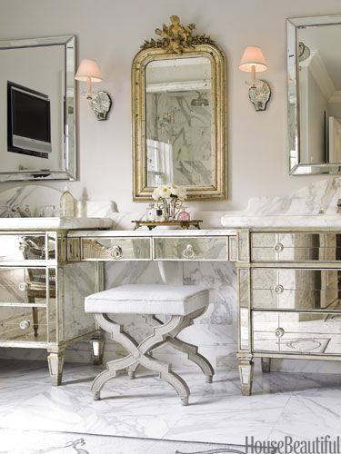 Inspirational Hollywood Vanity Table