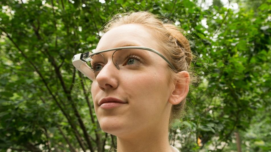 Google Glass Upgrade Arrives Just in Time for New Year's : mashable  12/16/13