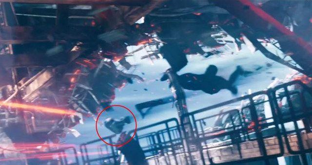 R2-D2's secret cameo in 'Star Trek Into Darkness' movie.