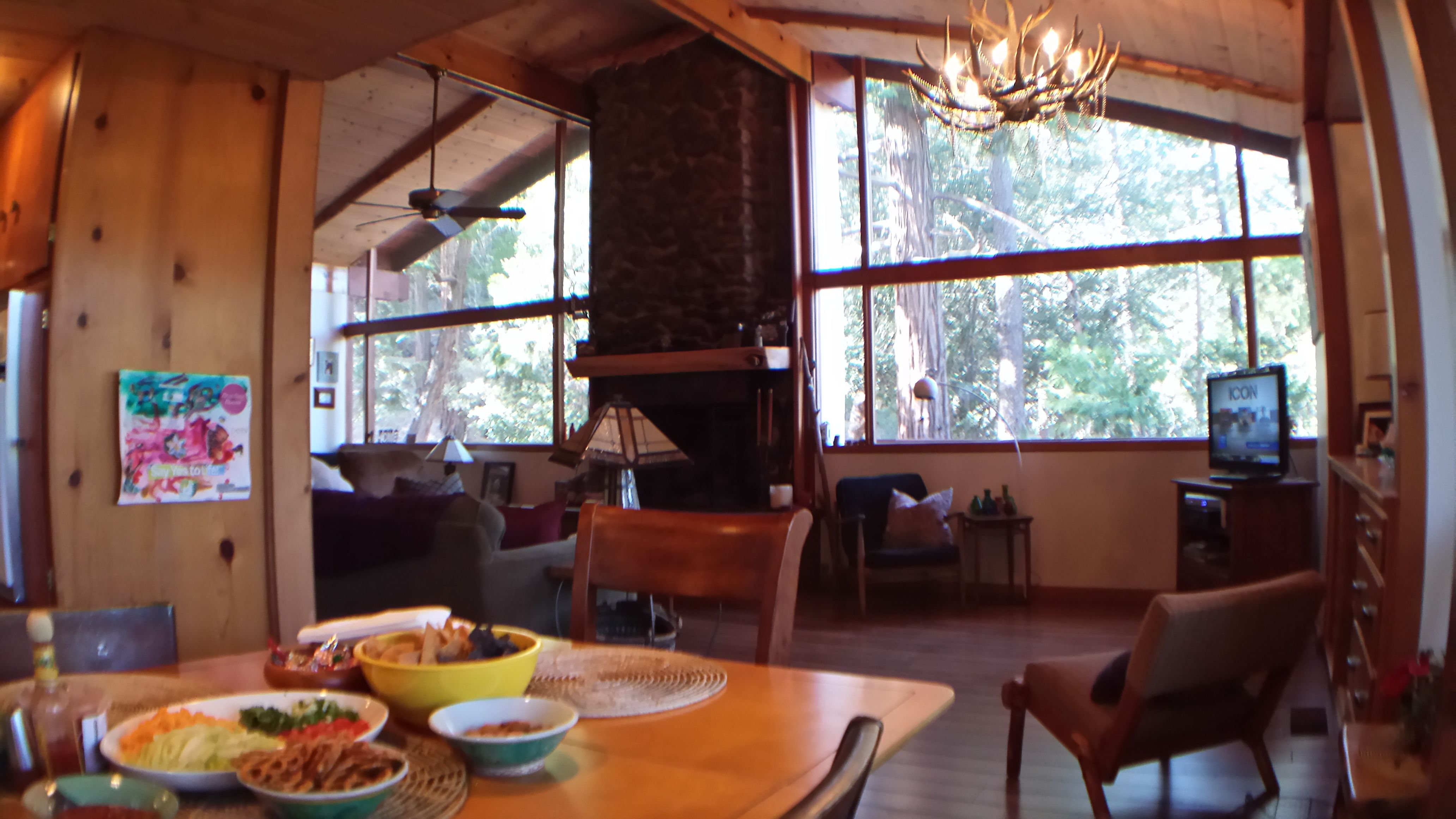 Ad classic norton house frank gehry archdaily - 1957 Frank Gehry David Cabin First House Idyllwild California Upstairs Living
