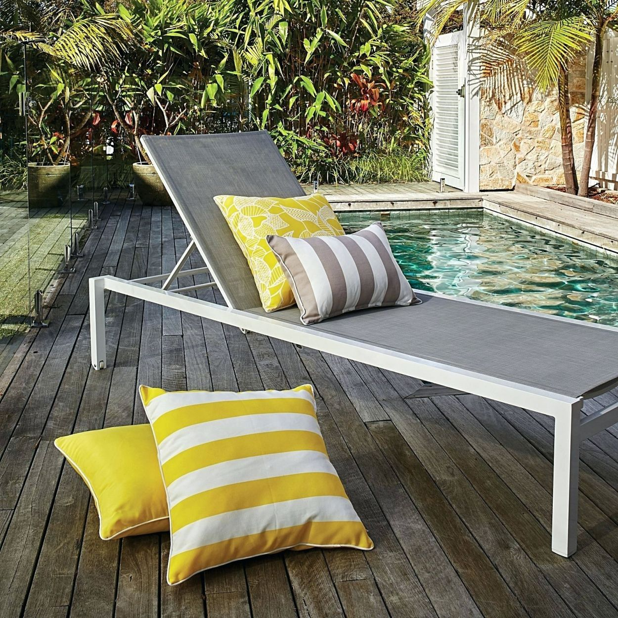 Elegant Beach Balcony Furniture