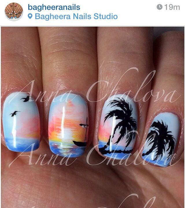 Beach sunset palm tree nails