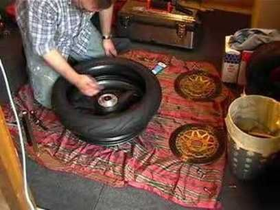 How to change a motorcycle tire by hand