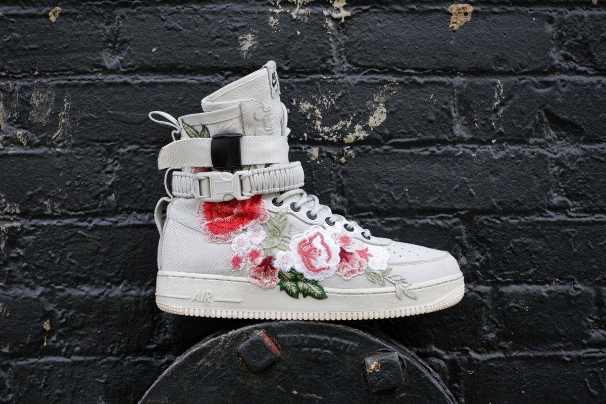 #NEED: Nike Air Force 1 Floral Reconnaissance Special Field Boot - MISSBISH  | Women's