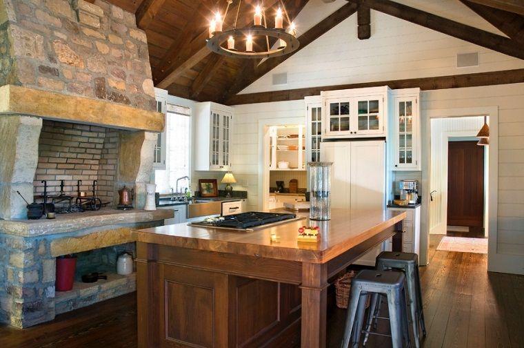 arredare cucina rustica con camino tradizionale a legna | Pietra ...