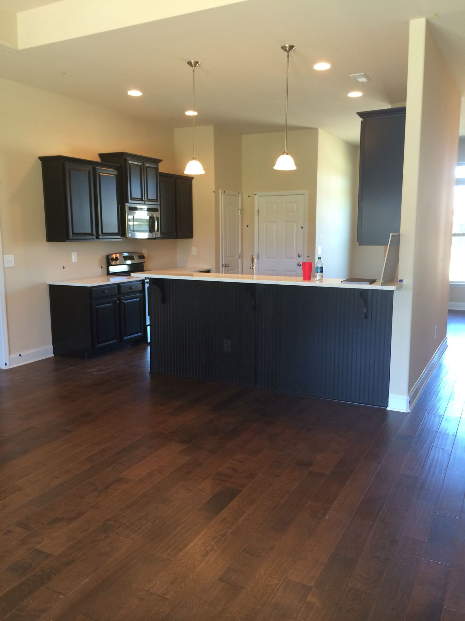 shaw biscayne bay surfside hardwood floors lg viatera minuet quartz counters