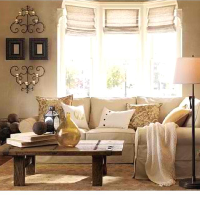 Love the wall and coffee table decor | Living room ...