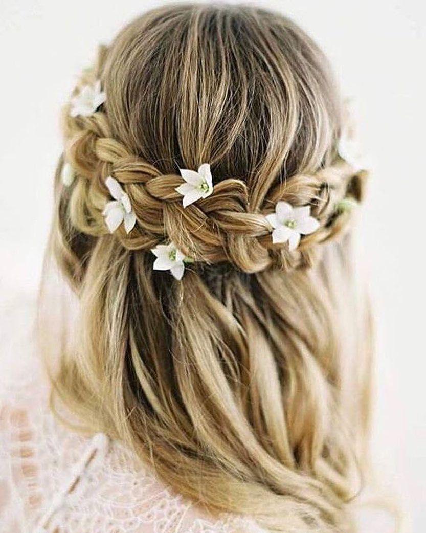 Dutch crown braided half up half down hairstyle #halfuphalfdown #bridehairstyle #weddinghair