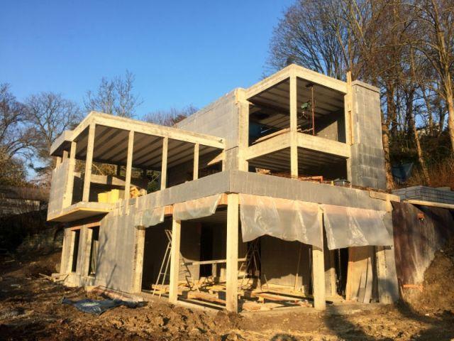Thermoform de Cemex  une villa isolée grâce à des blocs coffrants - modele maison a construire