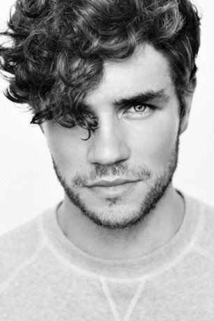 5 Best Curly Hair Styles For Men Men S Haircuts Pinterest