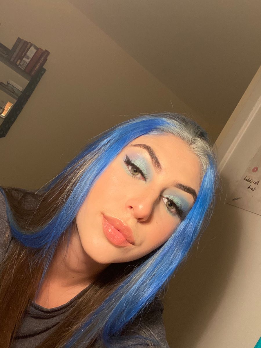 Front Bits Dyed Blue Hair Inspo In 2020 Front Hair Styles Hair Inspo Color Hair