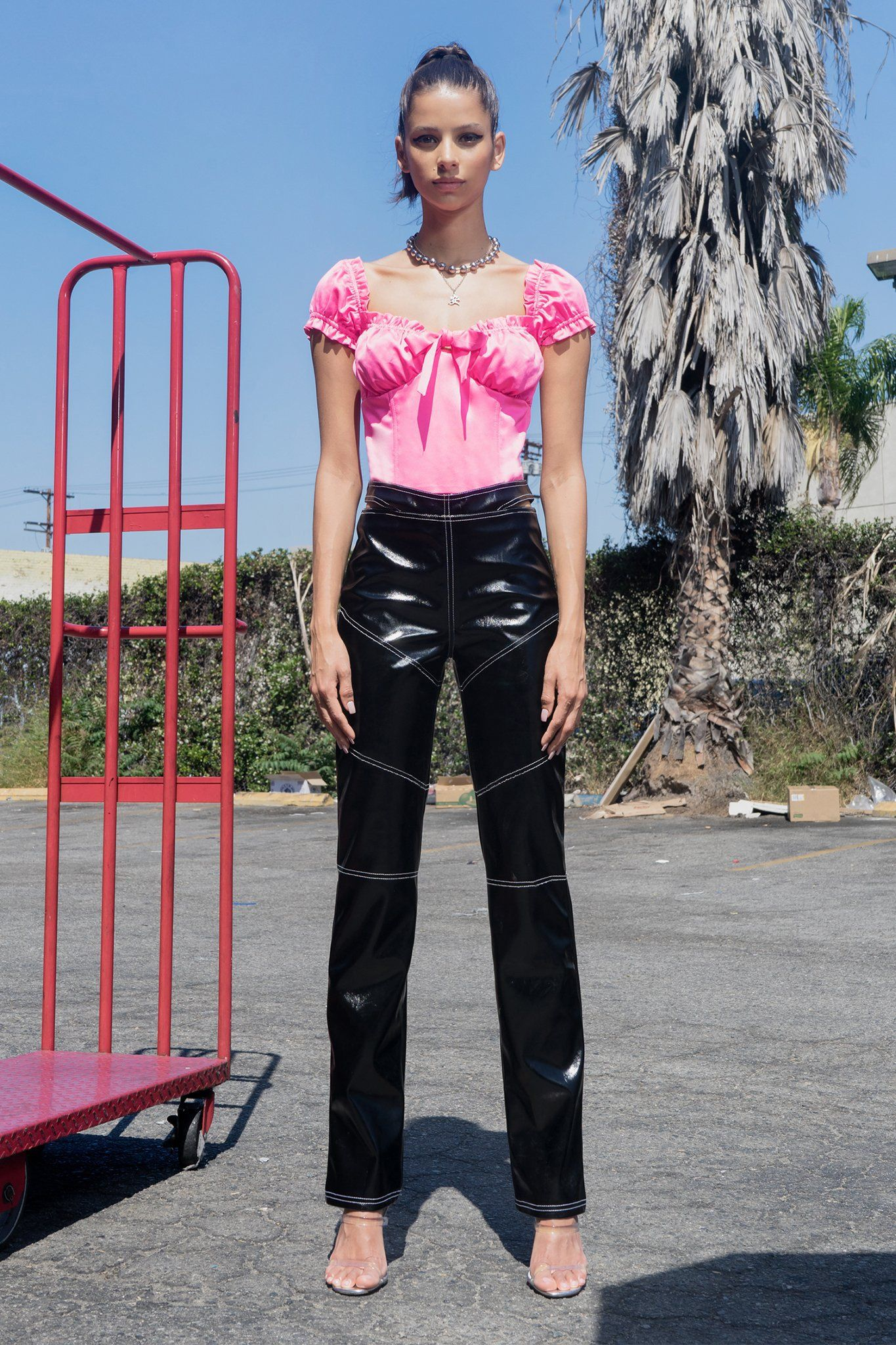 b47a700abef24 I.Am.Gia Naomi Top -  65  theradicalblog  outfit  womanoutfit  fluo  trend   fashion  top  naomi