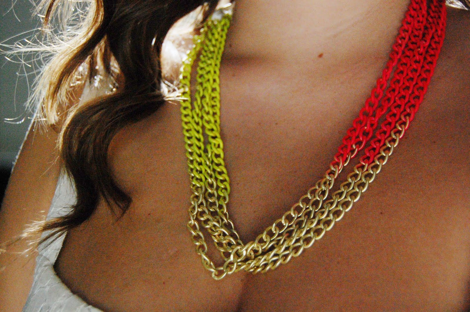 Neon chain necklace DIY.