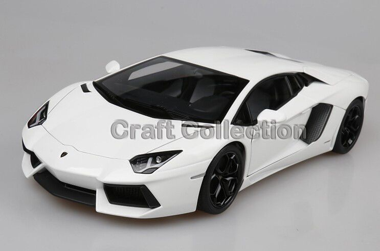 White 1/18 Scale Aventador LP700-4 Roadster Luxury Sport Car ...