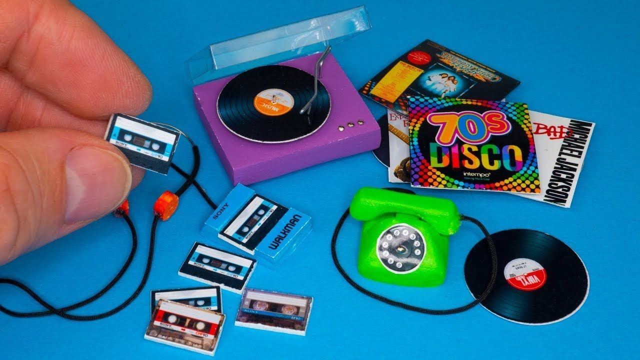 Miniature TURNTABLE Doll House Barbie Working Worlds Smallest Record Player Toy