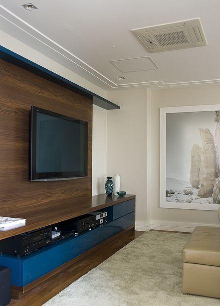 Rack colorido 2 sala tv pinterest sala de estar for Sala de estar oscura