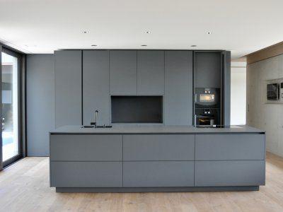 Puristische Küche In Grau   Küchen   Referenzen   La Cucina é Casa | Küche  | Wohnen | Innenarchitektur | Schweinfurt | Küche Modern | Pinterest |  Graue ...