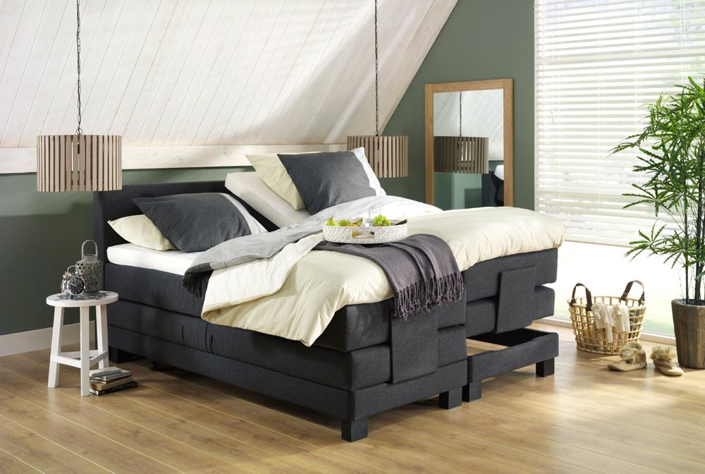 Boxspring trondheim en hanglamp duco een modern bed in for Slaapkamer landelijk modern