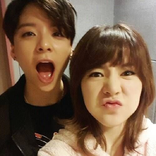 Amber And Sunny Show Off Their Aegyo Allkpop Com Snsd K Pop Kpop Memes