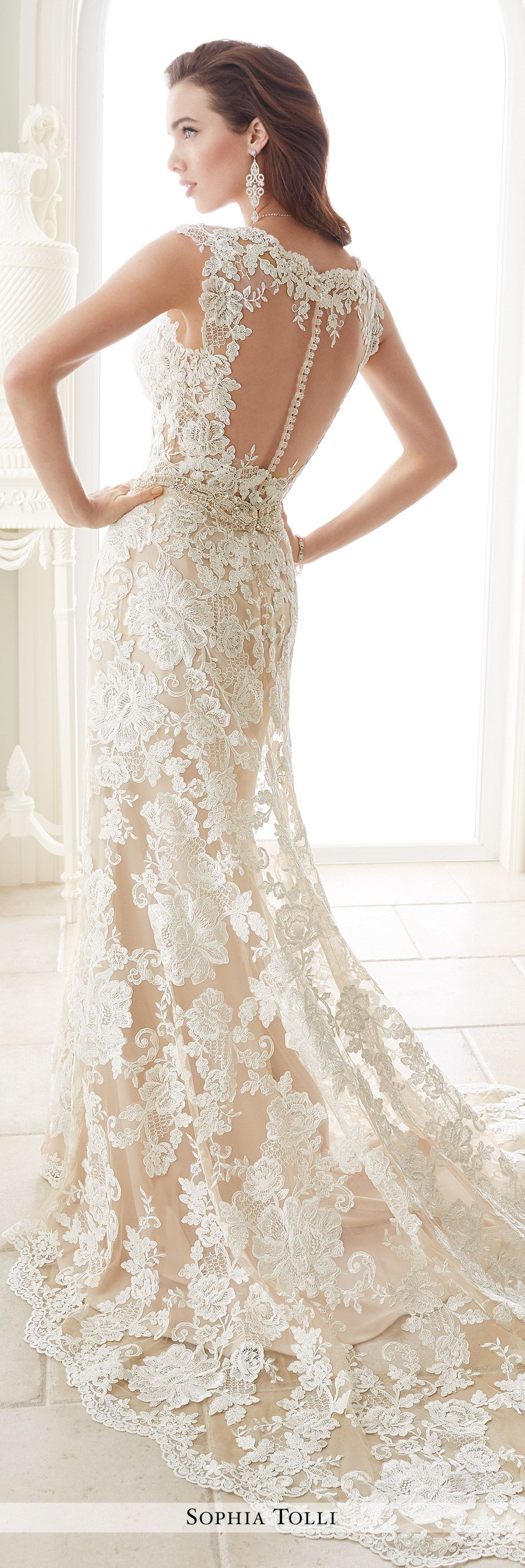 Scalloped lace back wedding dress
