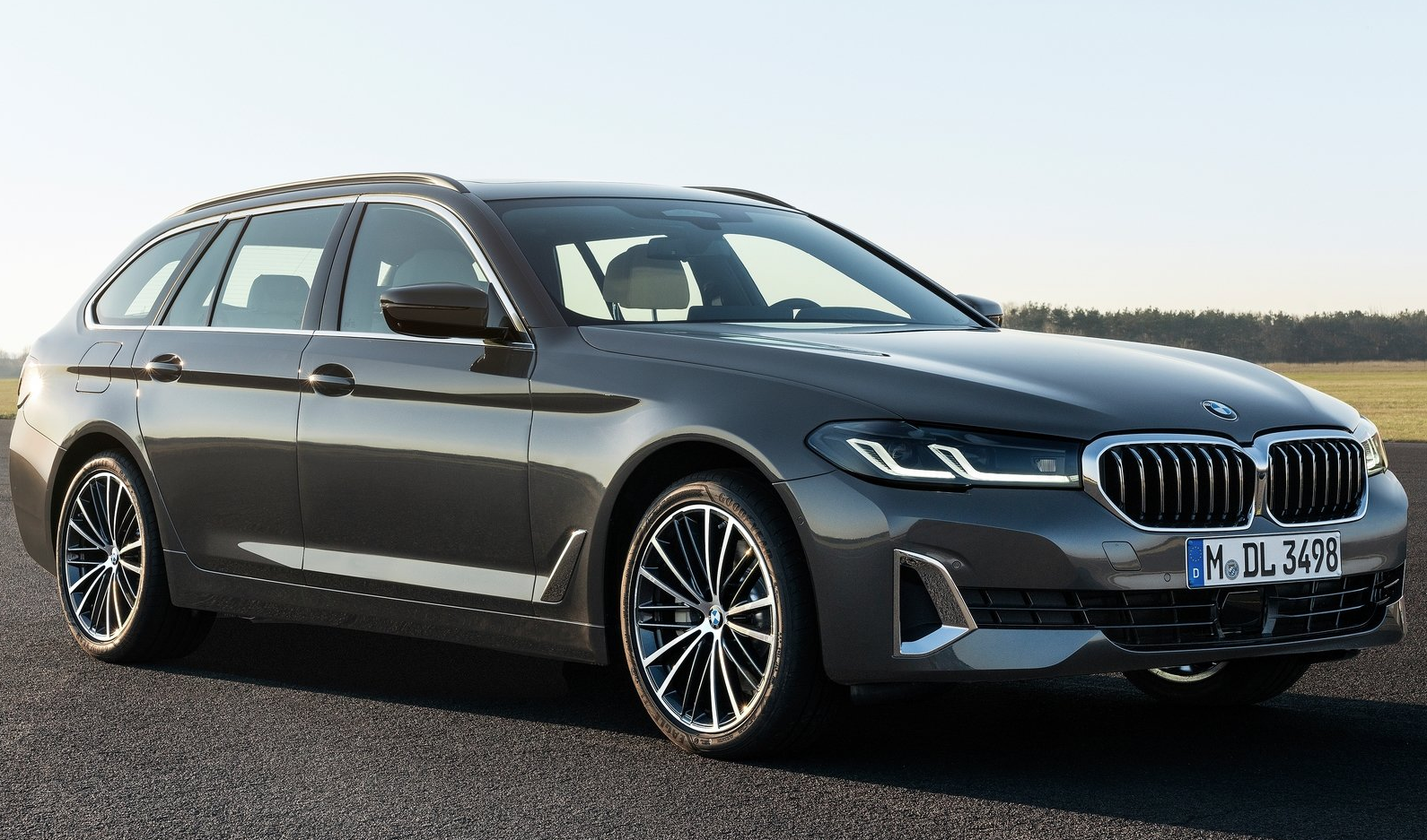 Bmw 5 Series Touring 2021 In 2020 Bmw 5 Series Bmw New Bmw 5 Series