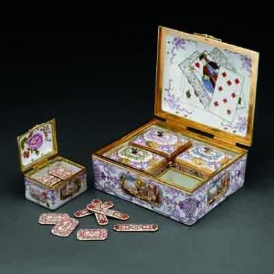 Box Set of Gaming Pieces (Boîte de jeu), Austrian (Vienna), about 1735–40, Du Paquier Porcelain Manufactory, hard-paste porcelain, polychrome enamel decoration, gilding; gold mounts; diamonds. The Art Institute of Chicago, Eloise W. Martin fund; Richard T. Crane and Mrs. J. Ward Thorne endowments; through prior gift of the Antiquarian Society (1993.349). Gift of the Antiquarian Society (1995.95.1-4). Photography © The Art Institute of Chicago  http://leahmariebrownhistoricals.blogspot.com/