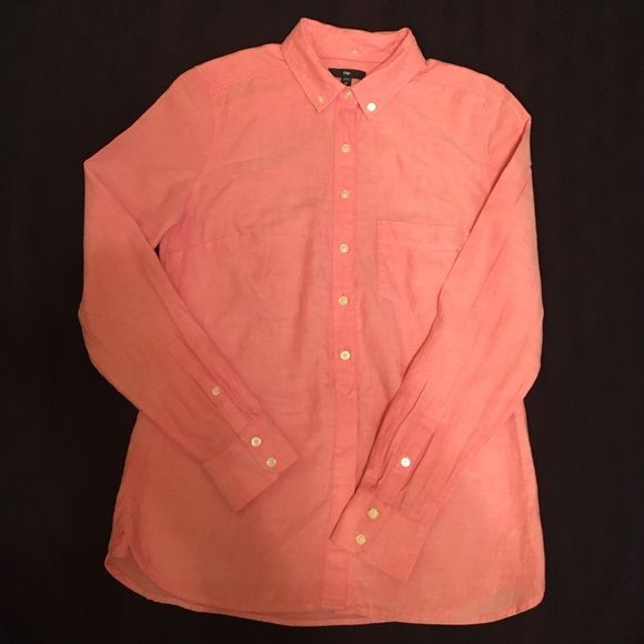 Like new! Gap Button-Down Top   Gap tops, Coral and Oxford shirts