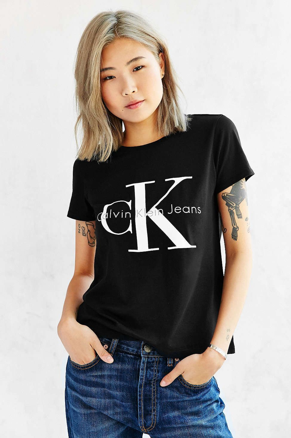 Calvin Klein Tee Shirt | Calvin klein outfits, Calvin klein