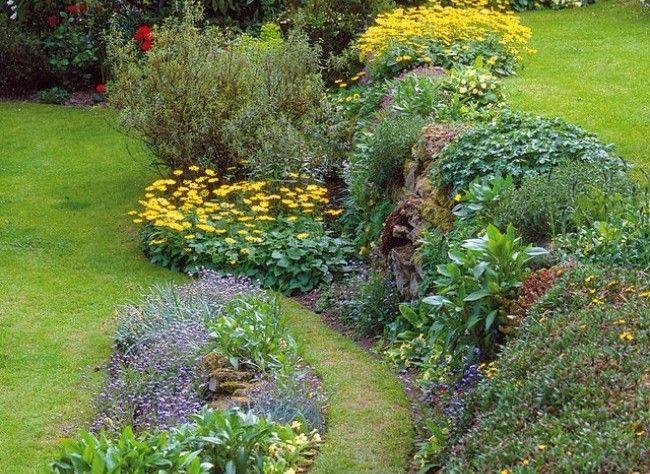 Jardin En Pente Sc Ne De Rocaille Utile Et D Corative Talus Jardins Et Jardinage