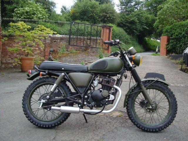 Herald Classic Military Camo Mutt 125 Retro Classic Cool Motorbike