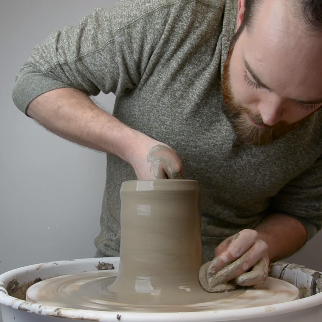 Throwing a vase on the wheel Hammerly Ceramics #potterytechniques