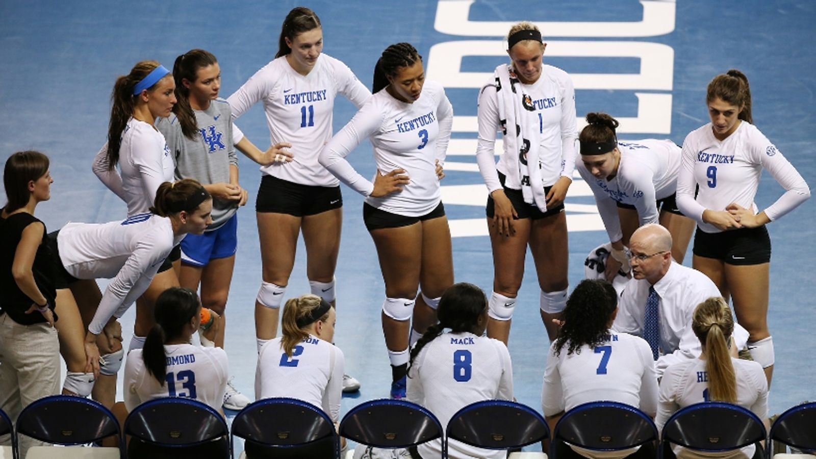 The Wildcats Shut Out The Billikens To Improve To 5 4 On The Season Volleyball News Volleyball Players Kentucky