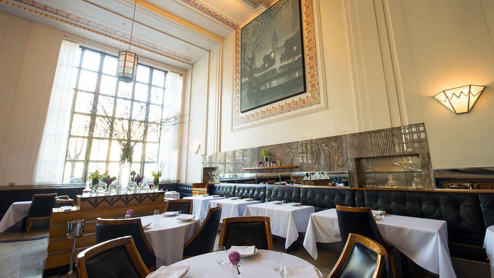 Eleven Madison Park S Post Renovation Reservations Go Live Tomorrow Luxury Restaurant Restaurant New York Modern Restaurant