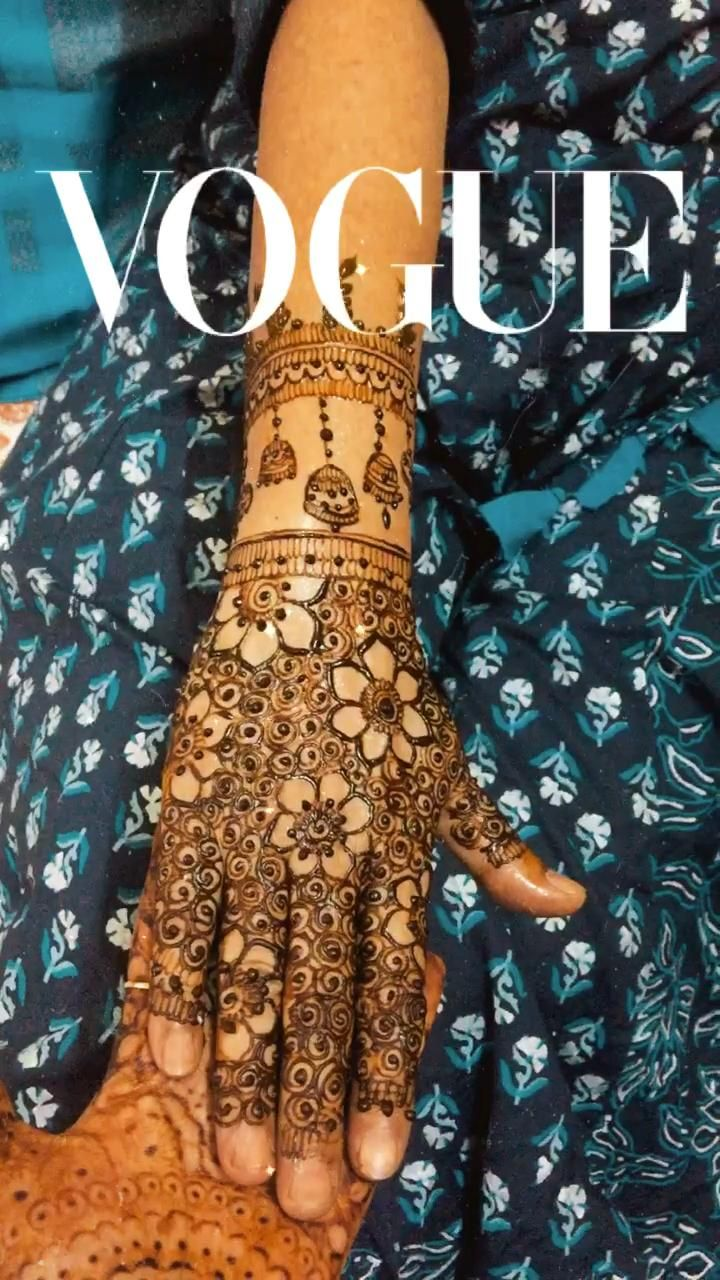 Karwachauth mehendi #mehendi #weddingplanner #weddingideas #weddinginvitations #bridalmehendi #simplemehndidesign #art #artwork #bridalmakeupideas #skincareroutine #follow4follow #comment #trendinghairstyle #fashion #latest