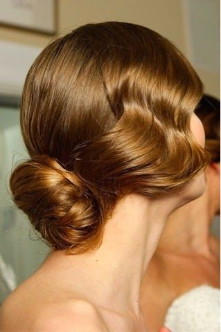 How to Do a Chignon in 3 Easy Steps