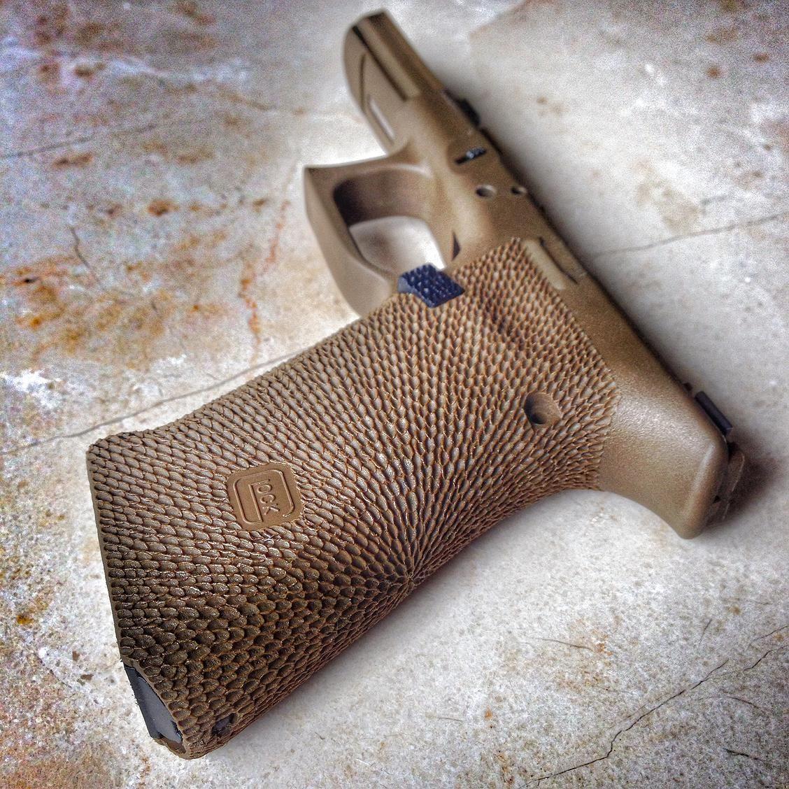 Damato Custom Stippling and Cerakote MP Glock Grip | Stippling