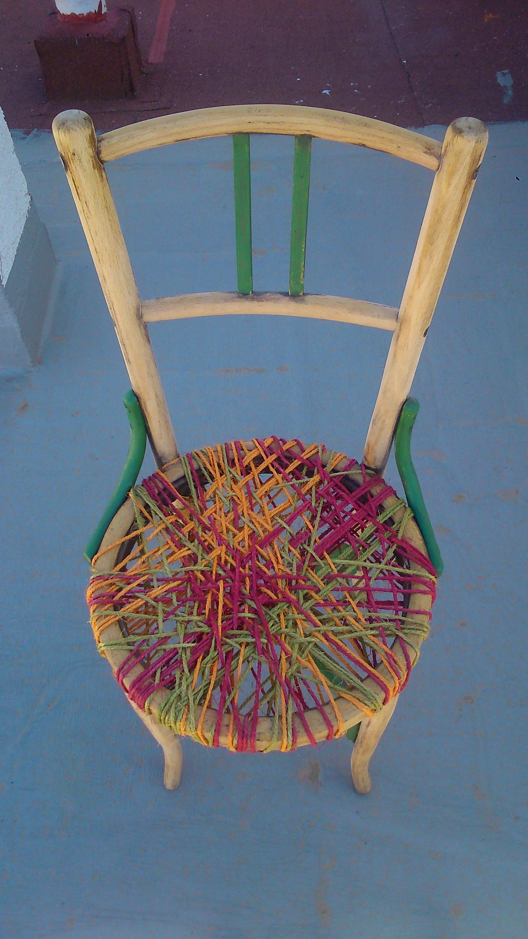 L. Grao.  silla thonet customizada con cuerdas  38€