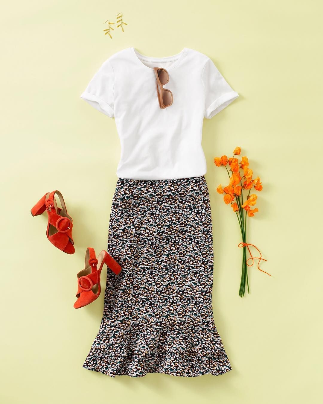 82825a6f1c6894 AT Floral Ruffle Pencil Skirt, White Tee | Spring 2018 | Ann Taylor ...