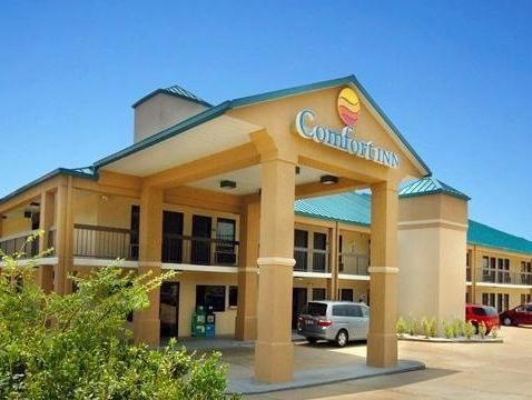 Oxford Ms Quality Inn And Suites United States North America Is Conveniently Located In The Por Area Hotel Offers