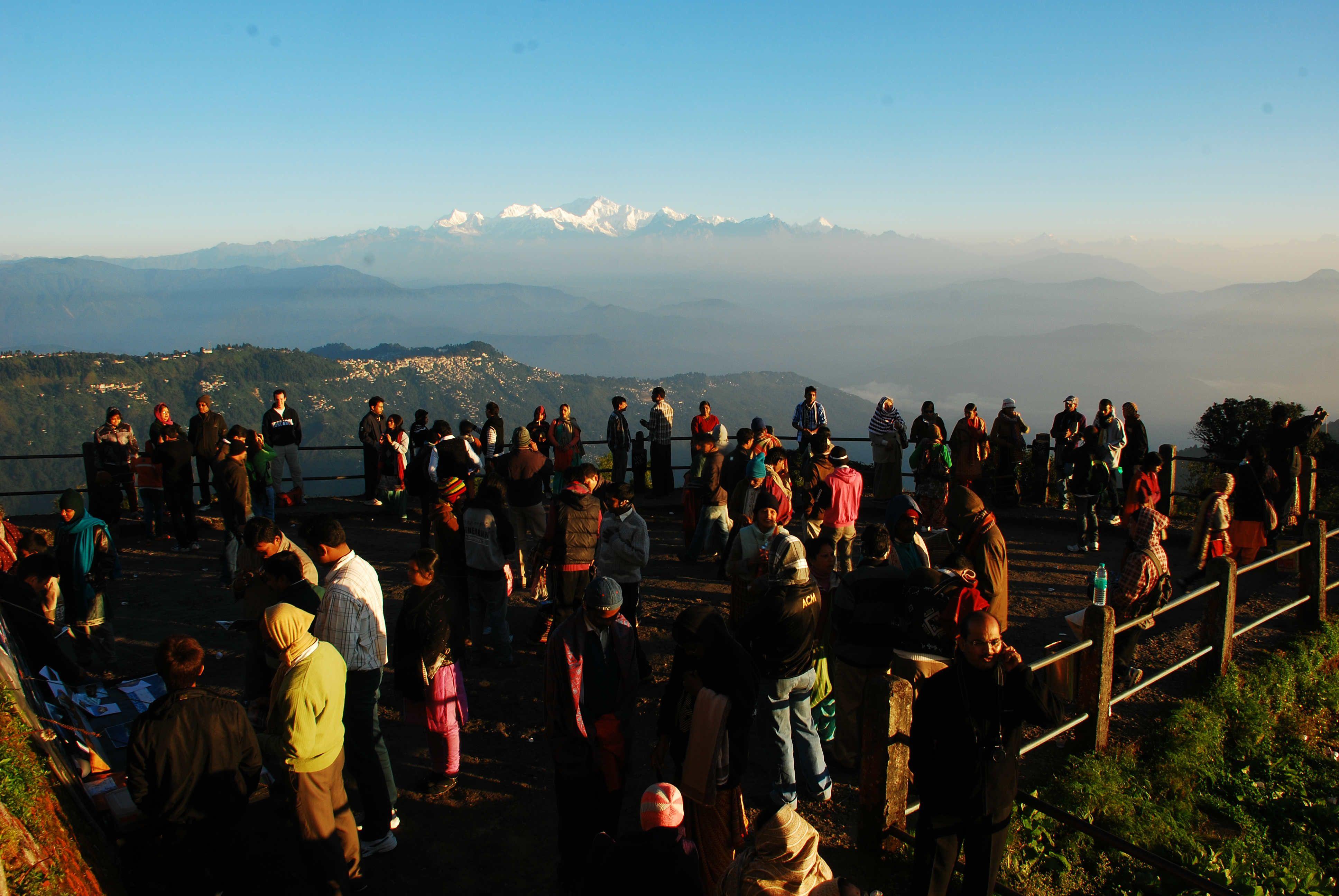 Tourists At Tiger Hill In Darjeeling Tour Packages Gangtok Darjeeling